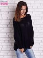 Czarny sweter oversize z rozcięciami po bokach                                                                          zdj.                                                                         3