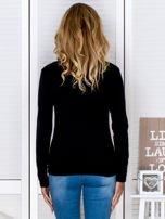 Czarny sweter w serek                                  zdj.                                  2