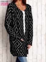 Czarny sweter z geometrycznymi motywami                                  zdj.                                  3
