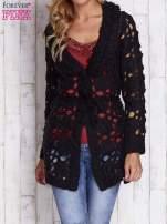 Czarny sweter  z wiązaniem w pasie                                  zdj.                                  1