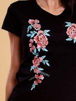 Czarny t-shirt damski w kwiaty                                  zdj.                                  5