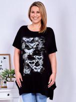 Czarny t-shirt damski w motyle PLUS SIZE                                  zdj.                                  1