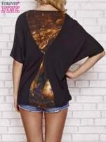 Czarny t-shirt oversize ze złotymi zipami                                  zdj.                                  4