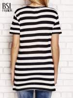 Czarny t-shirt w paski                                  zdj.                                  2