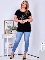 Czarny t-shirt z błyszczącymi gwiazdami PLUS SIZE                                  zdj.                                  4