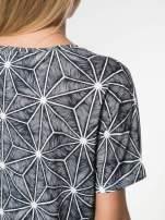 Czarny t-shirt z geometrycznym nadrukiem roślinnym                                  zdj.                                  6