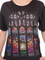 Czarny t-shirt z motywem religijnym                                  zdj.                                  6