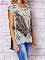 Czarny t-shirt z nadrukiem motyla                                  zdj.                                  3