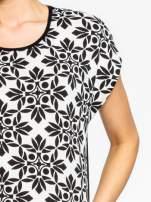 Czarny t-shirt z nadrukiem ornamentów geometrycznych                                                                          zdj.                                                                         4
