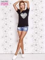 Czarny t-shirt z napisem JE T'AIME i dekoltem na plecach                                                                          zdj.                                                                         2