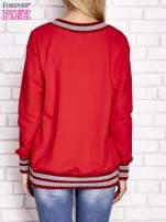 Czerwona bluza z dzianinowym wykończeniem                                  zdj.                                  4