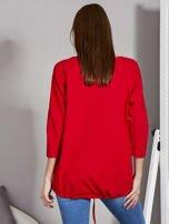 Czerwona bluza z motywem motyli                                  zdj.                                  2