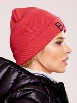 Czerwona czapka beanie z napisem BAD                                  zdj.                                  1