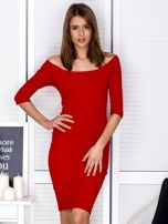 Czerwona prążkowana sukienka odsłaniająca ramiona                                  zdj.                                  1