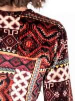 Czerwona sukienka midi w patchworkowy wzór                                  zdj.                                  5