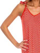 Czerwona sukienka w paski wiązana na ramionach                                  zdj.                                  6