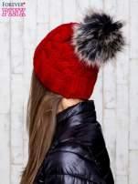 Czerwona wełniana czapka z pomponem                                  zdj.                                  3