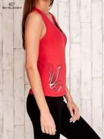 Czerwono-czarny top sportowy z nadrukiem                                  zdj.                                  3