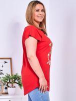 Czerwony t-shirt z kwiatowym printem PLUS SIZE                                  zdj.                                  3