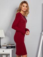Dopasowana sukienka z ozdobnymi dżetami bordowa                                  zdj.                                  3