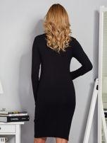 Dopasowana sukienka z ozdobnymi dżetami czarna                                  zdj.                                  2