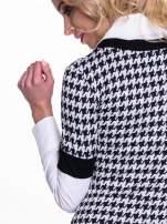 Dwuczęściowa sukienka w pepitkę z białą koszulą                                  zdj.                                  6