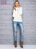 Ecru ażurowy sweter z golfem                                  zdj.                                  2