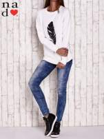Biała bluza z piórkiem                                                                          zdj.                                                                         2