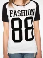 Ecru-czarny t-shirt z nadrukiem FASHION 88                                  zdj.                                  8