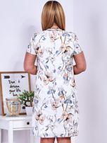 Ecru kwiatowa sukienka z trójkątnym dekoltem PLUS SIZE                                  zdj.                                  2