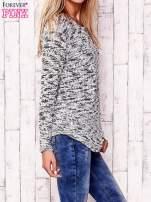 Ecru melanżowy sweter                                                                          zdj.                                                                         3