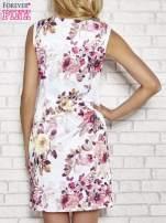 Ecru sukienka w różowe kwiaty                                  zdj.                                  4