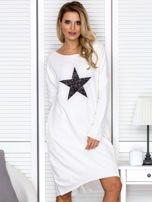 Ecru sukienka z gwiazdą                                   zdj.                                  1