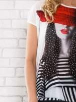 Ecru t-shirt z dziewczęcym nadrukiem                                                                           zdj.                                                                         5