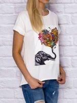 Ecru t-shirt z malarskim nadrukiem                                  zdj.                                  3