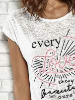 Ecru t-shirt z napisem EVERY LOVE STORY IS BEAUTIFLUL BUT OURS IS MY FAVOURITE                                                                          zdj.                                                                         5