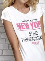 Ecru t-shirt z napisem FASHION DISTRICT z dżetami                                  zdj.                                  4