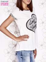 Ecru t-shirt z napisem LOVE AND SWAG                                                                          zdj.                                                                         3