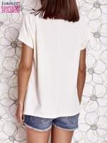 Ecru t-shirt z napisem NEED IT LOUDER