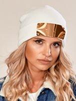 Ecru wywijana czapka ze złotą blaszką                                  zdj.                                  1