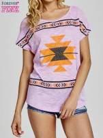 Fioletowy t-shirt we wzory azteckie z dżetami