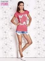 Fuksjowy t-shirt z motywem gwiazdy i dżetami                                  zdj.                                  4
