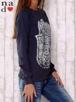Grafitowa bluza z motywem dłoni                                                                          zdj.                                                                         3