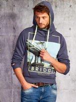 Granatowa bluza męska z kapturem i nadrukiem Brooklyn Bridge                                  zdj.                                  5