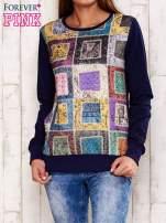 Granatowa bluza z graficznym nadrukiem