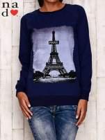Granatowa bluza z motywem Wieży Eiffla