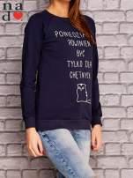 Granatowa bluza z napisem PONIEDZIAŁEK POWINIEN BYĆ TYLKO DLA CHĘTNYCH                                  zdj.                                  3