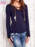 Granatowa bluzka z wiązaniem w stylu boho                                  zdj.                                  3