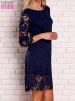 Granatowa koronkowa sukienka z wiązaniem na plecach                                  zdj.                                  3
