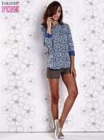 Granatowa koszula w panterkę z podwijanymi rękawami                                                                          zdj.                                                                         2